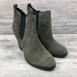 MARC FISHER grey ankle boot, chunky heel